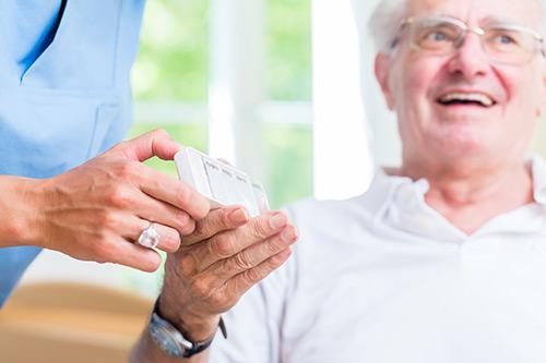 Pflerin reicht Senior Tablettenbox